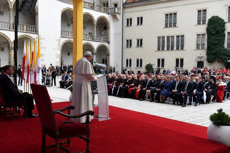 Franciszek na Wawelu zaapelował do polityków i biskupów o ochronę każdego życia.