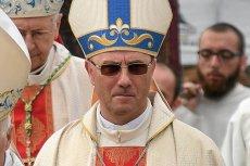 Abp Polak proponuje pomoc Kościoła w strajku nauczycieli.