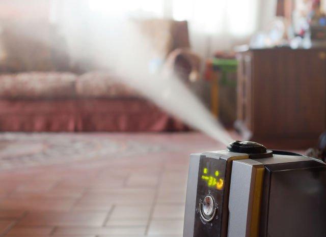 Niektóre jonizatory mają funkcję nawilżania powietrza