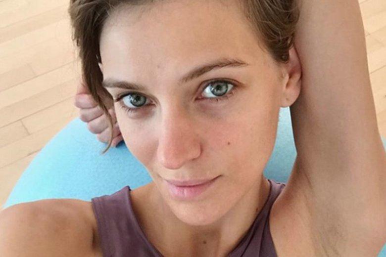 Renata Kaczoruk zaskoczyła obserwatorów komentarzami, które zamieściła w odpowiedzi na złośliwości dotyczące jej małego biustu. Zamiast reagować agresywnie, postawiła na szczerość.