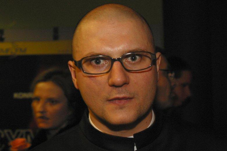"2004 r. Konrad Niewolski, reżyser filmu ""Symetria"""