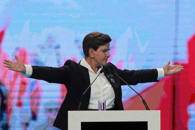 Beata Szydło i Pis wygrali wyborczą licytację. Dziś chcą rozdawać pieniądze, których jeszcze nie ma.