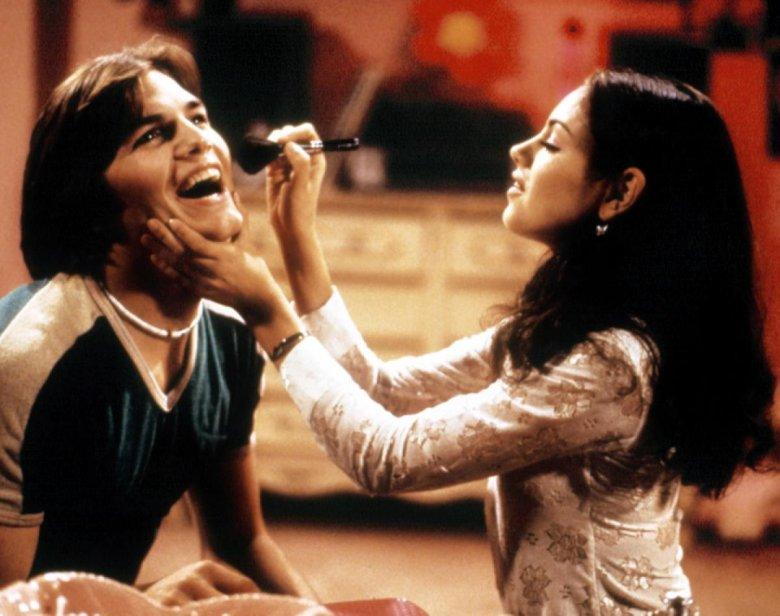 """Mila Kunis i Ashton Kutcher na planie serialu """"Różowe lata 70."""""""