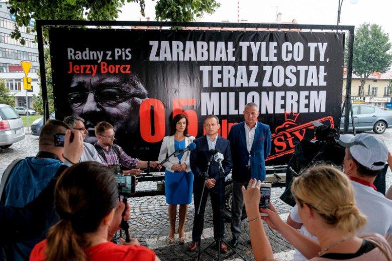 """Akcja Platformy """"Konwój wstydu"""" w Rzeszowie"""