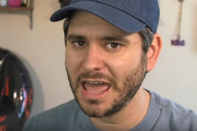 Ethan Klein, to amerykański youtuber, który w ostrych słowach podsumował działalność Jakóbiaka.