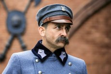 W postać marszałka Piłsudskiego wcielił się Borys Szyc.