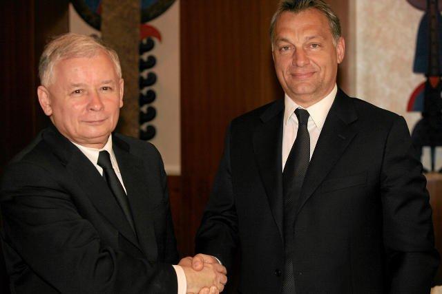 Krytycy PiS twierdzą, że Kaczyński wzoruje swoją politykę na polityce Viktora Orbana.