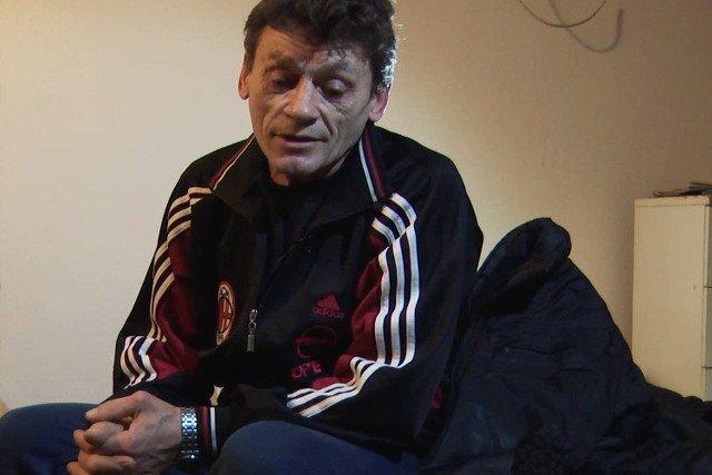 Losza, pracował na budowie w Warszawie. Nie zapłacono mu, został z długiem w hotelu dla robotników pod Warszawą.