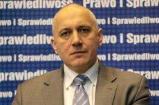 Marszałek Joachim Brudziński (PiS) już wskazał na Twitterze winnych podpalenia się mężczyzny w rzeszowskim sądzie.