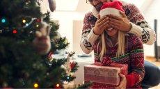 Chcesz, żeby w Święta było cukierkowo jak na fotce jak ze stocka? Strzeż się nietrafionych prezentów!