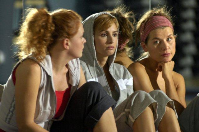Polskie seriale nie pokazują równouprawnienia. Kobiety mają pragnąć spełniać się przede wszystkim w związkach i w macierzyństwie.