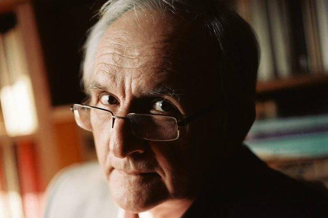 Prof. Janusz Czapiński uważa, że smoleńscy eksperci zohydzili tytuł profesora