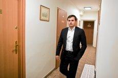 Sąd uchylił zgodę na wyjazd Marcina Dubienieckiego do USA.