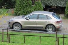 Zdjęcie luksusowego auta księdza zamieścili w internecie sami parafianie. Ale to nie jedyny ich zarzut wobec proboszcza.