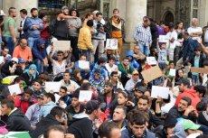 Rząd PiS jeszcze przed wyborami do PE będzie się tłumaczył z nieprzyjęcia uchodźców.