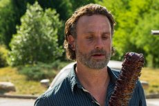 """Andrew Lincoln - Rick z kultowego """"The Walking Dead"""". Producent wykonawczy uważa, że powstanie filmowa wersja serialu."""