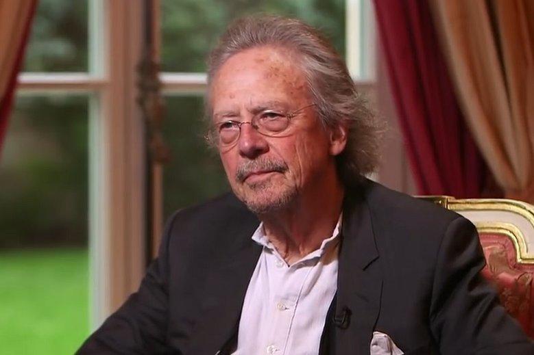 Peter Hanke jest krytykowany za swoją powieść.