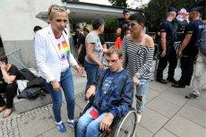 Joanna i Kuba Hartwich chcieli wejść na komisję regulaminową dotyczącą protestu niepełnosprawnych. Dostali jednak zakaz. Na zdjęciu Kuba Hartwich i Joanna Scheuring-Wielgus.