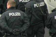 Policjant w Hanowerze znęcał się nad uchodźcami.