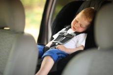 Złodziej ukradł samochód, jednak nie zauważył, że siedzi w nim 5 dzieci. Teraz odpowie za porwanie. Zdjęcie ilustracyjne.