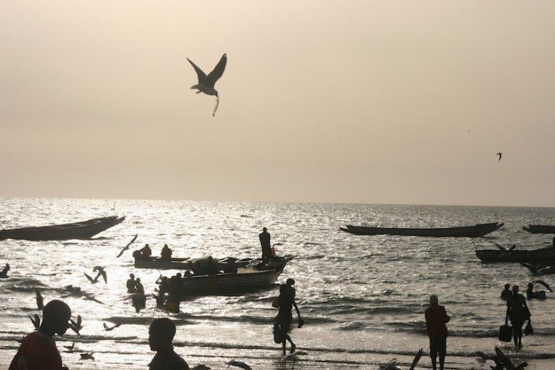 Zachód słońca w wiosce rybackiej.