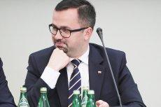 Marcin Horała z PiS nie miał podstawowej wiedzy na temat kształtu UE. O tym, kto należy to Uni,i musiał nauczyć go Donald Tusk na komisji ds. VAT.