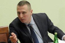 Poseł PO Krzysztof Brejza przekonuje, że politycy PiS powinni zwrócić sowite nagrody pieniążne, które sobie przyznali