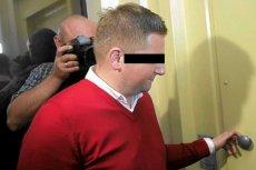 Marcin P. po przesłuchaniu przez prokuraturę. Teraz przez to samo przechodzi jego żona