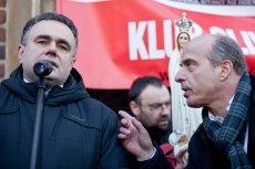 Jan Pospieszalski i Tomasz Sakiewicz podczas manifestacji w obronie wolności słowa w Krakowie.