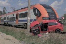 Śledczy ustalają okoliczności i przyczyny tragedii, która rozegrała się na przejeździe kolejowym w Szaflarach.