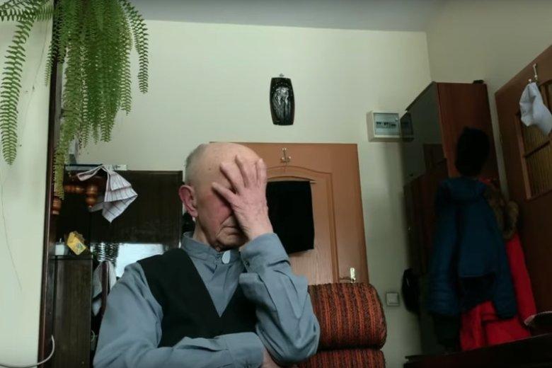 Ks. Jan A. mieszkający w Domu Księży Emerytów w Kielcach na nagraniu przyznaje, że nie tylko Anna jako dziecko była jego ofiarą.