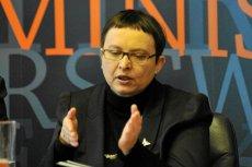 """Według """"Wprost"""" Katarzyna Hall zapłaciła 3 mln zł ekspertom, którzy w 2008 r. opracowali nowe treści kształcenia."""