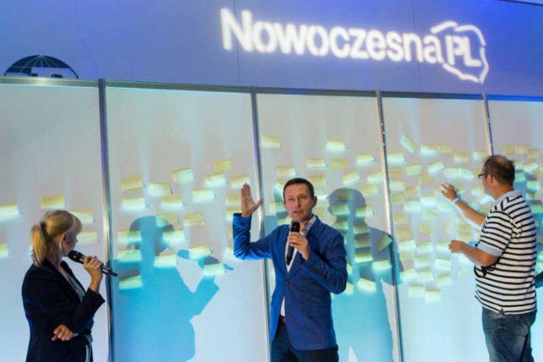 Paweł Rabiej z NowoczesnejPL zapewnia, że w połowie lipca ugrupowanie Ryszarda Petru przedstawi kompleksowy program.