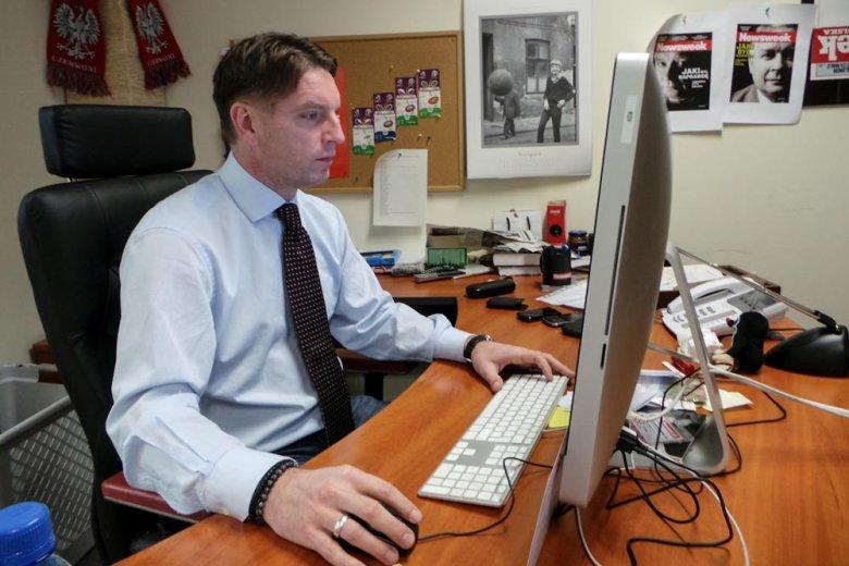 Tomasz Lis w redakcji tygodnika Newsweek