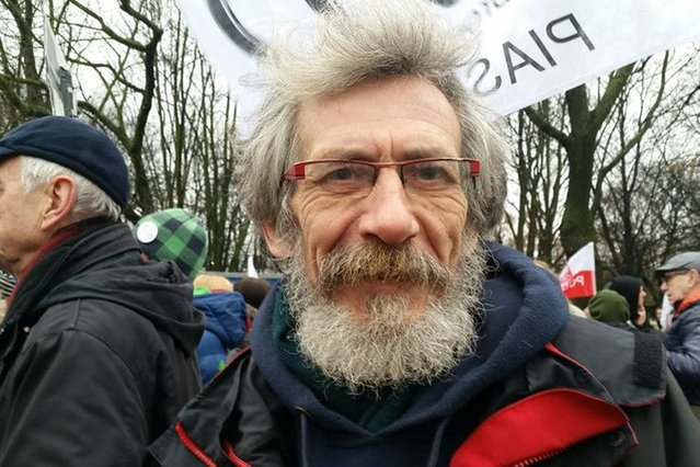 Marek Kossakowski, przewodniczący Partii Zieloni, był działaczem na rzecz praw człowieka i praw zwierząt jeszcze w PRL.