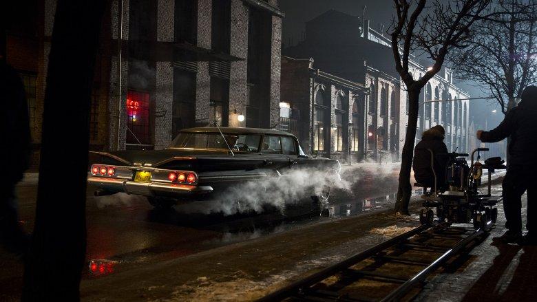 Film wygląda bardzo hollywoodzko, ale trudno się dziwić - za scenografię odpowiadał Allan Starski, a za zdjęcia Paweł Edelman