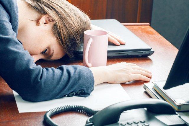 Pracownicy nie są tak zajęci, na jakich chcieliby wyglądać.