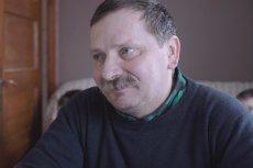 Ryszard Toruńczak jest sołtysem Załakowa (woj. pomorskie) i gospodarzem. Przez suszę wyjechał do pracy za granicą.