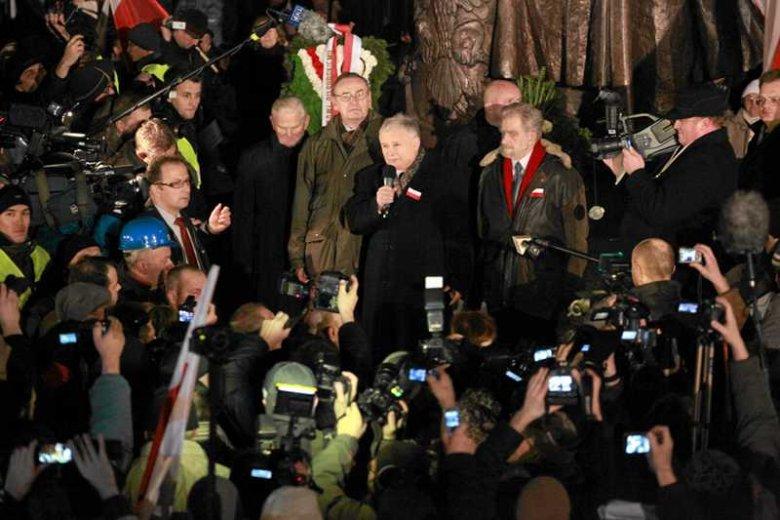 Jarosław Kaczyński, prezes PiS na marszu w 30. rocznicę wprowadzenia stanu wojennego.