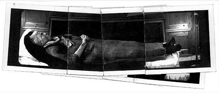 Susan Sontag w domu pogrzebowym/Annie Leibovitz