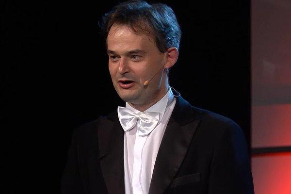 """""""Muzyka łagodzi obyczaje. Ale tylko ta wykonywana czysto"""" – komentuje Filip Jaślar z Grupy MoCarta."""