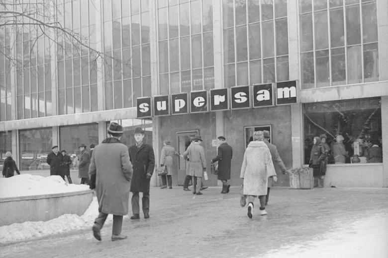 Sklep przez lata był miejscem pielgrzymek klientów z całej Warszawy.
