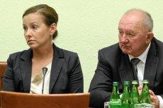 Rodzina Krzysztofa Olewnika (na zdjęciu siostra Danuta i ojciec Włodzimierz) ma dostać od Państwa 100 tysięcy dolarów.