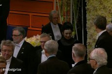 10 grudnia Olga Tokarczuk odbiera nagrodę Nobla.