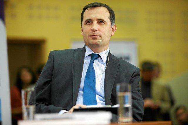 """TVN zamyka TVN CNBC i zwalnia kluczowych pracowników. Roman Młodkowski jest na """"przymusowym urlopie"""""""