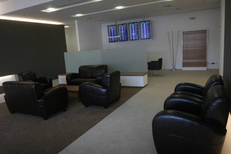W salonach VIP na Okęciu nie będzie wyświetlane TVP czy TVN. Na ekranach zamiast nich ma się pojawić program BBC.
