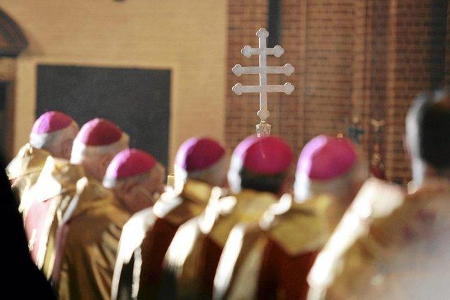 Polski Kościół powinien brać przykład z Irlandii, jak wzięła się za rozprawienie z molestowaniem dzieci.