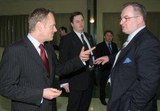 Donald Tusk i Jacek Saryusz-Wolski podczas posiedzenia Rady Krajowej Platformy Obywatelskiej w 2008 roku.