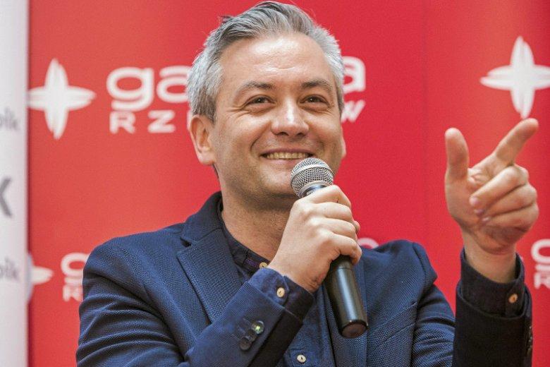 Robert Biedroń zostając prezydentem  Słupska odziedziczył  20 milionową dziurę budżetową. Dziś miasto ma 28 mln, ale nadwyżki.