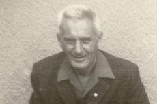 """""""Cyklon"""" to tytuł najnowszej książki dziennikarza i pisarza Przemysława Semczuka. Na stronach powieści zrekonstruował on losy Eduarda Lubuscha, esesmana, który pomagał więźniom z Auschwitz"""